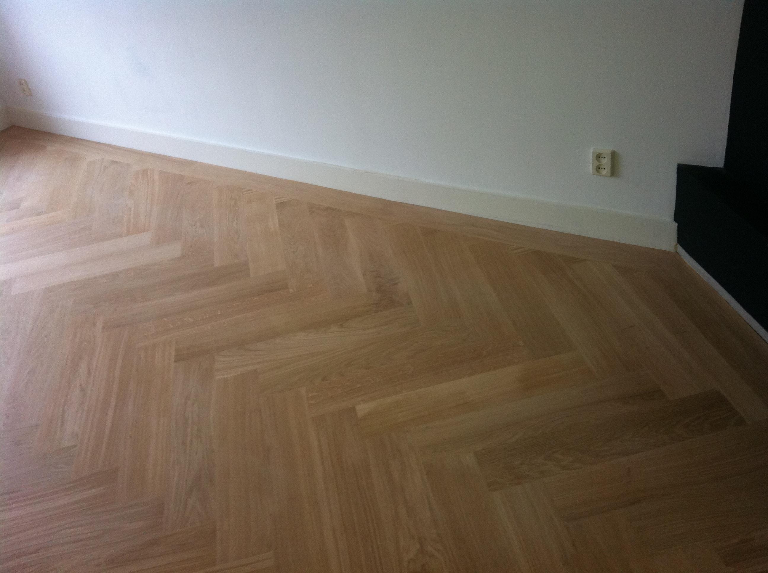 Eiken visgraat vloer eelde maja uw houten vloerenspecialist